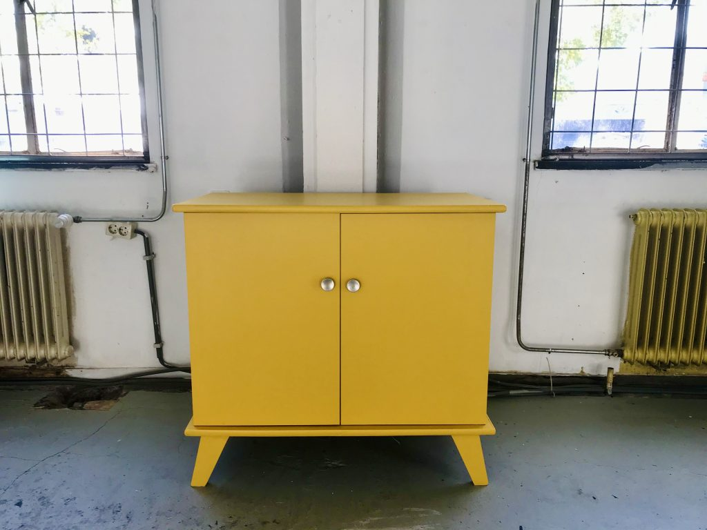 Gele vintage commode